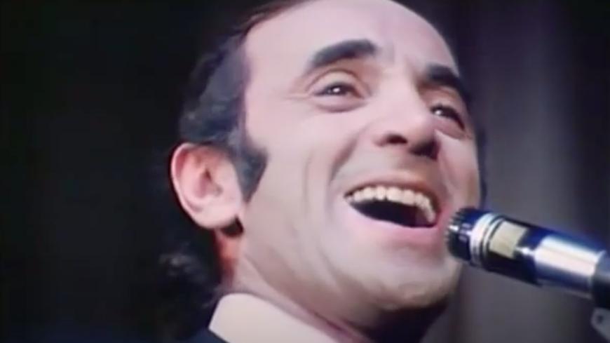 """Retour en 1968 - Charles Aznavour chante """"La Bohème"""" en live (vidéo)"""