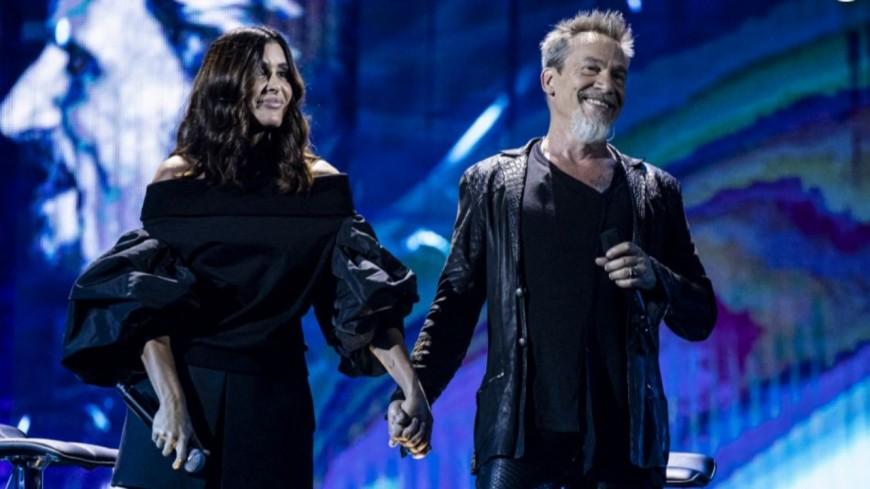 Jenifer et Florent Pagny rendent hommage à Johnny Hallyday en musique (vidéo)