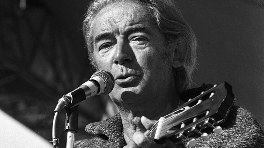 Retour en 1974 - Revivez le recital télévisé de Félix Leclerc ! (vidéo)